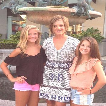 Their mom) hello everyone!! Brooke will be having a BIG birthday party for her 17 b-day next Saturd