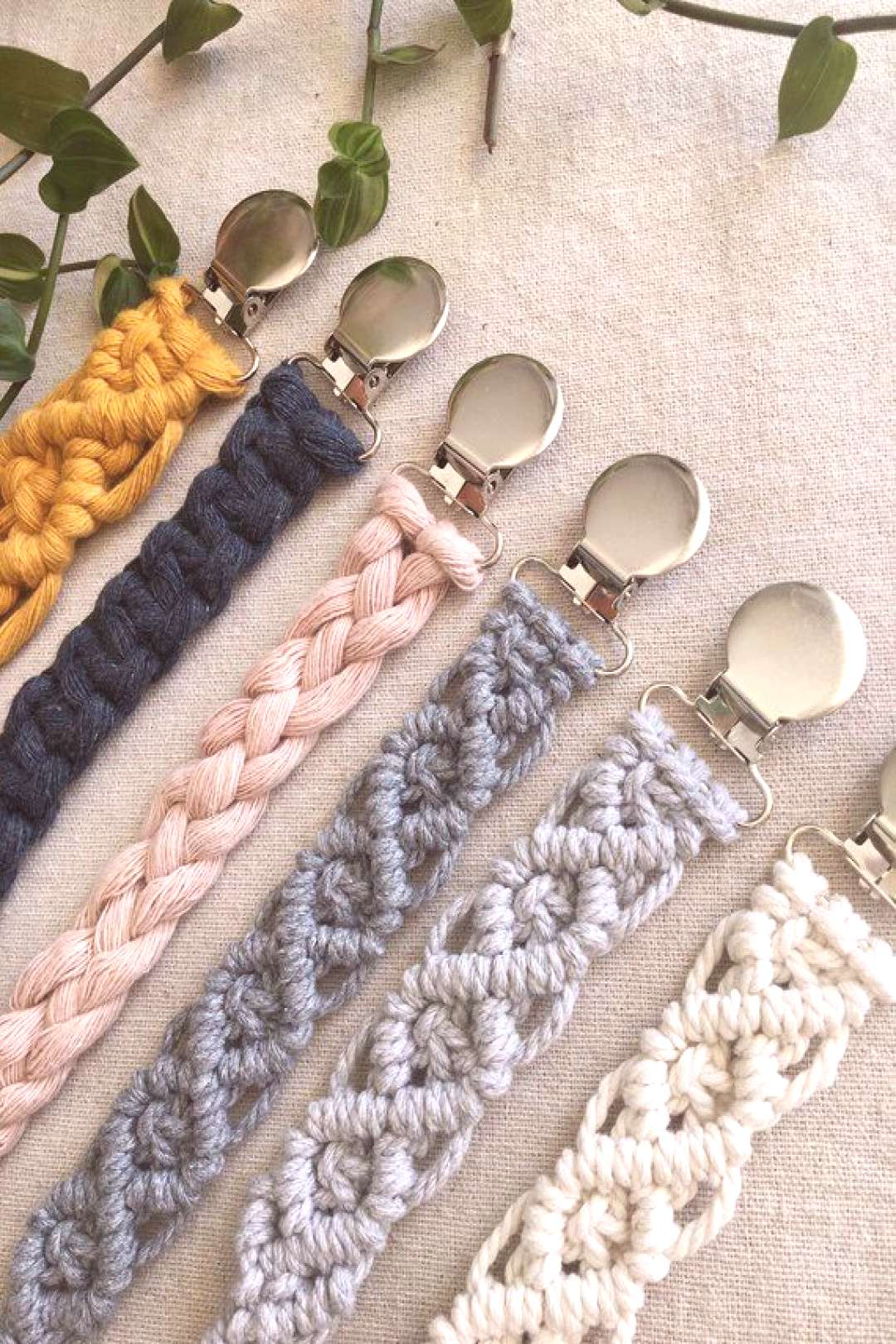Macrame pacifier chain, macramé pacifier holder, paci clip, baby shower, baby teether, teether, ba