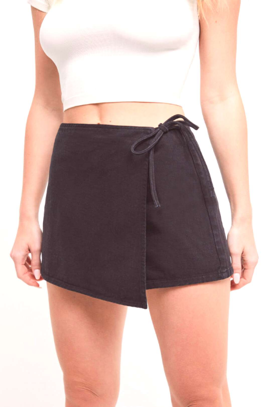 PacSun Carbon Black Wrap Skort PacSun Carbon Black Wrap Skort - Rock out all night long in the Car