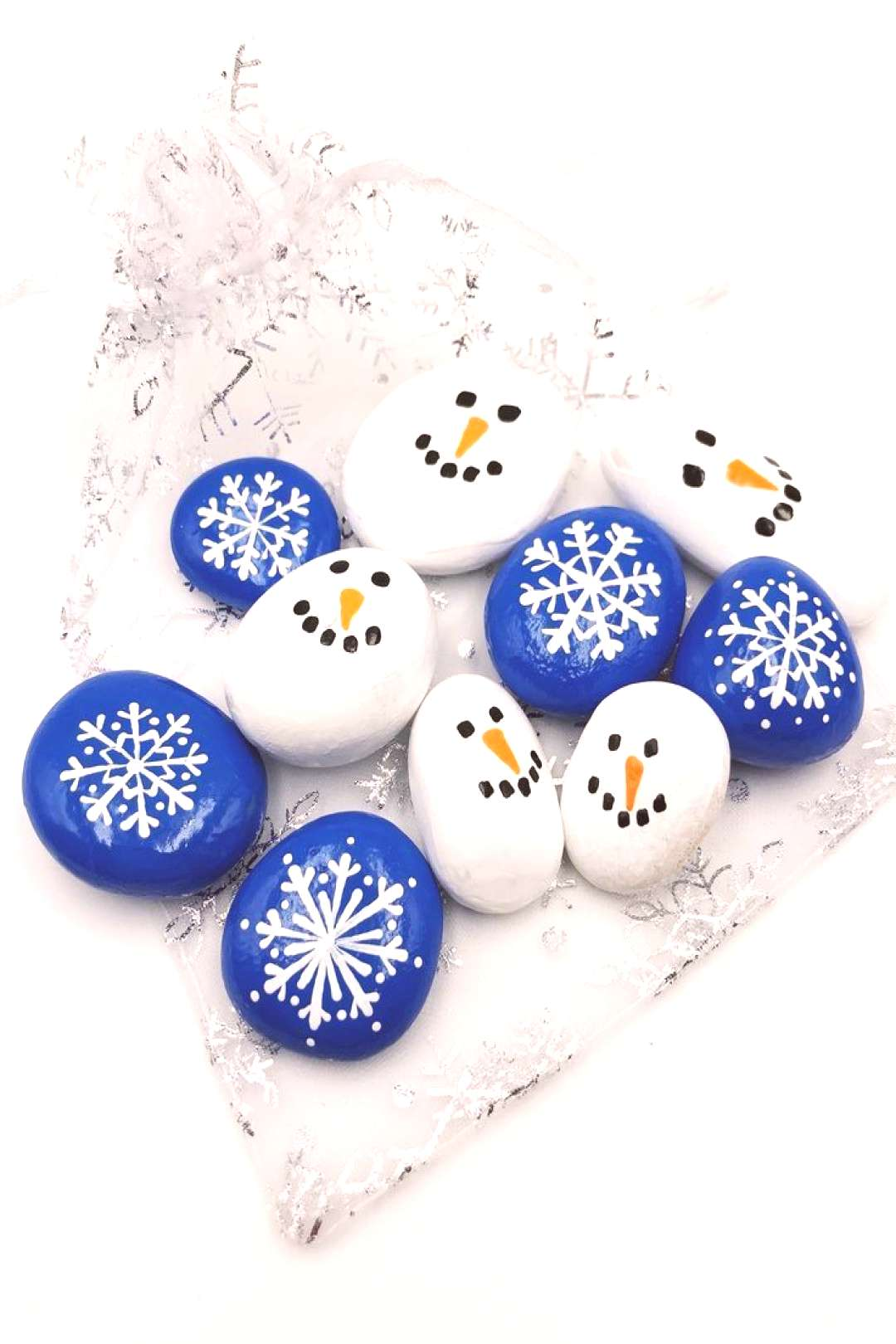 This Set of 10 snowflake and snowman painted pebbles is a great tool for sorting, matching, and pre